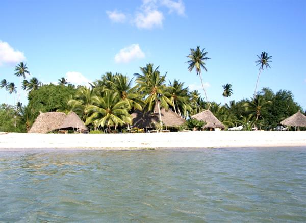 Weisser Traumstrand auf Sansibar