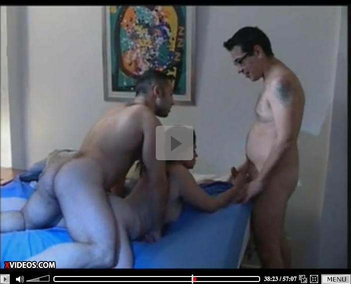 http://0800paja.blogspot.com/2014/12/porno-de-argentina-colegialas-ardientes.html