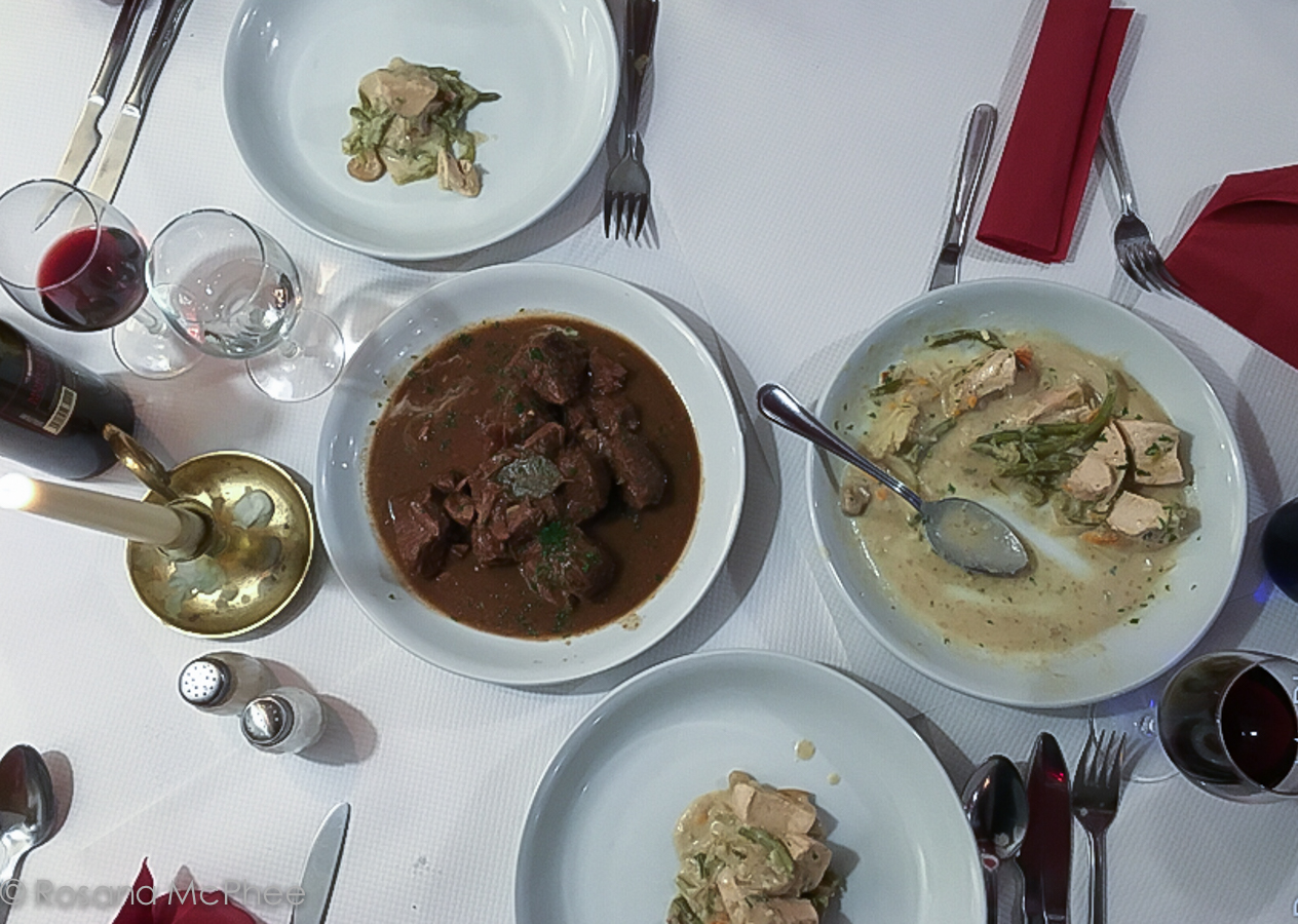 ... ( traditional Flemish chicken stew) and stoofvlees (beef stew