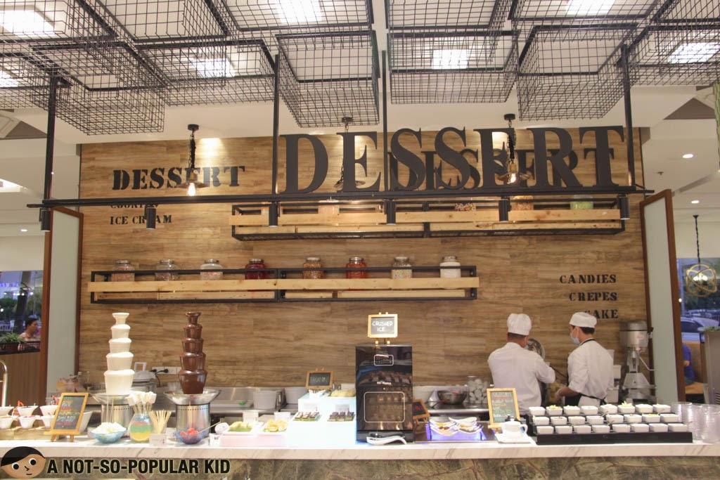 The Dessert Station of Four Seasons Hotpot Buffet