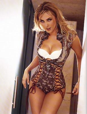 Aracely Arambula desnuda para Playboy