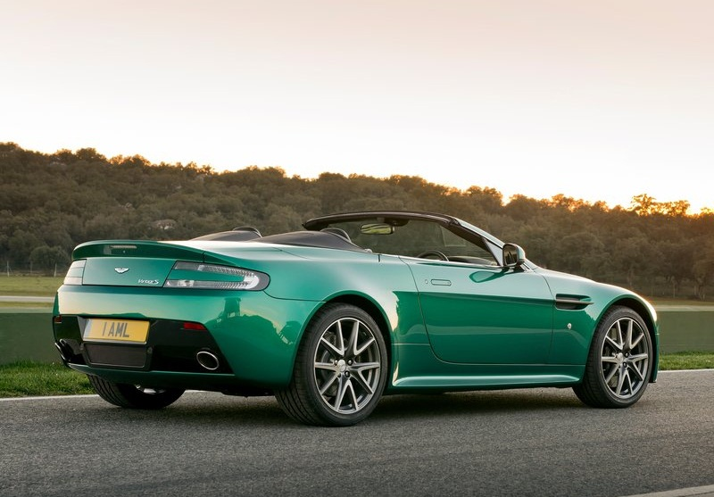 sport car garage 2012 aston martin v8 vantage s roadster. Black Bedroom Furniture Sets. Home Design Ideas