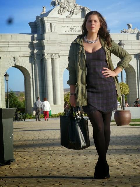 http://entremiltacones.blogspot.com.es/2013/11/vestido-lencero.html