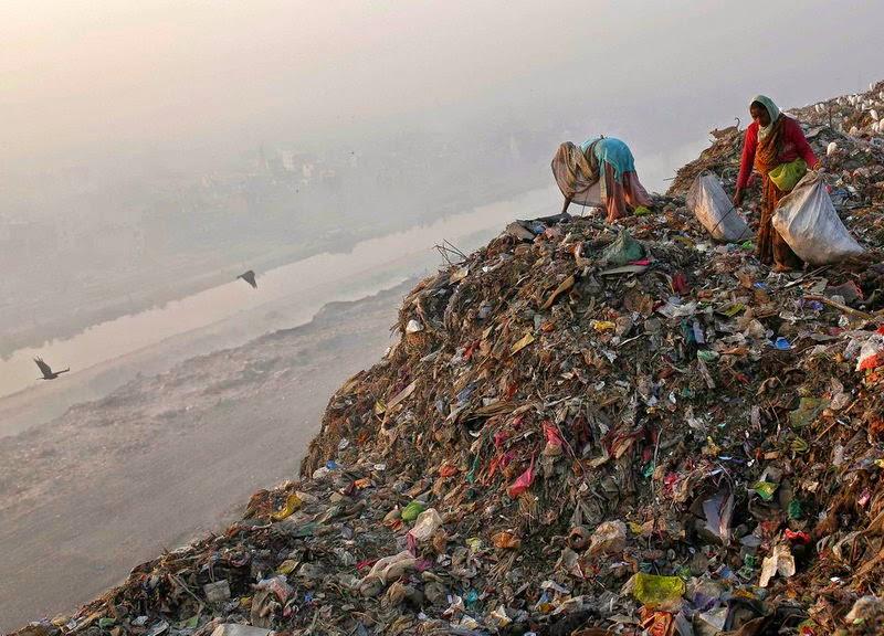 Di India, Penduduk kebanyakkannya hidupdengan keadaan yang sederhana ...