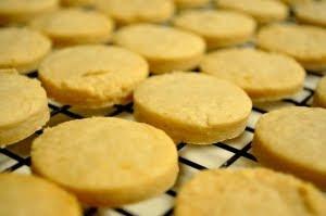 Biscotti di Pasta Frolla Senza Lievito