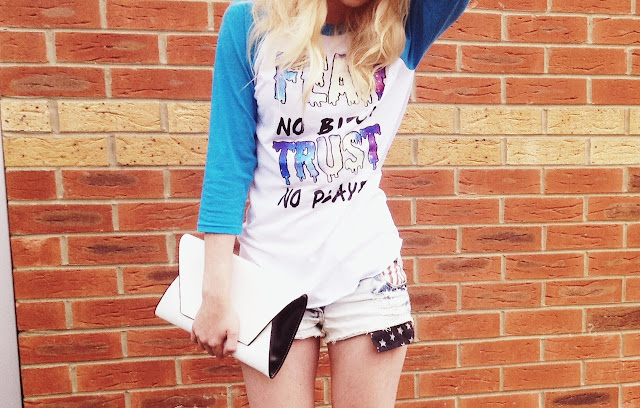 FashionFake, The Pretty Junk, street style, baseball t shirt, casual style, summer style, fashion bloggers, style bloggers, style blog, fashion blog