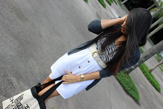 saia branca, vestido khelf, deixei minha chanel em casa, ecobag, estilo girlie, look feminino, casado cinza, sapatilha khelf