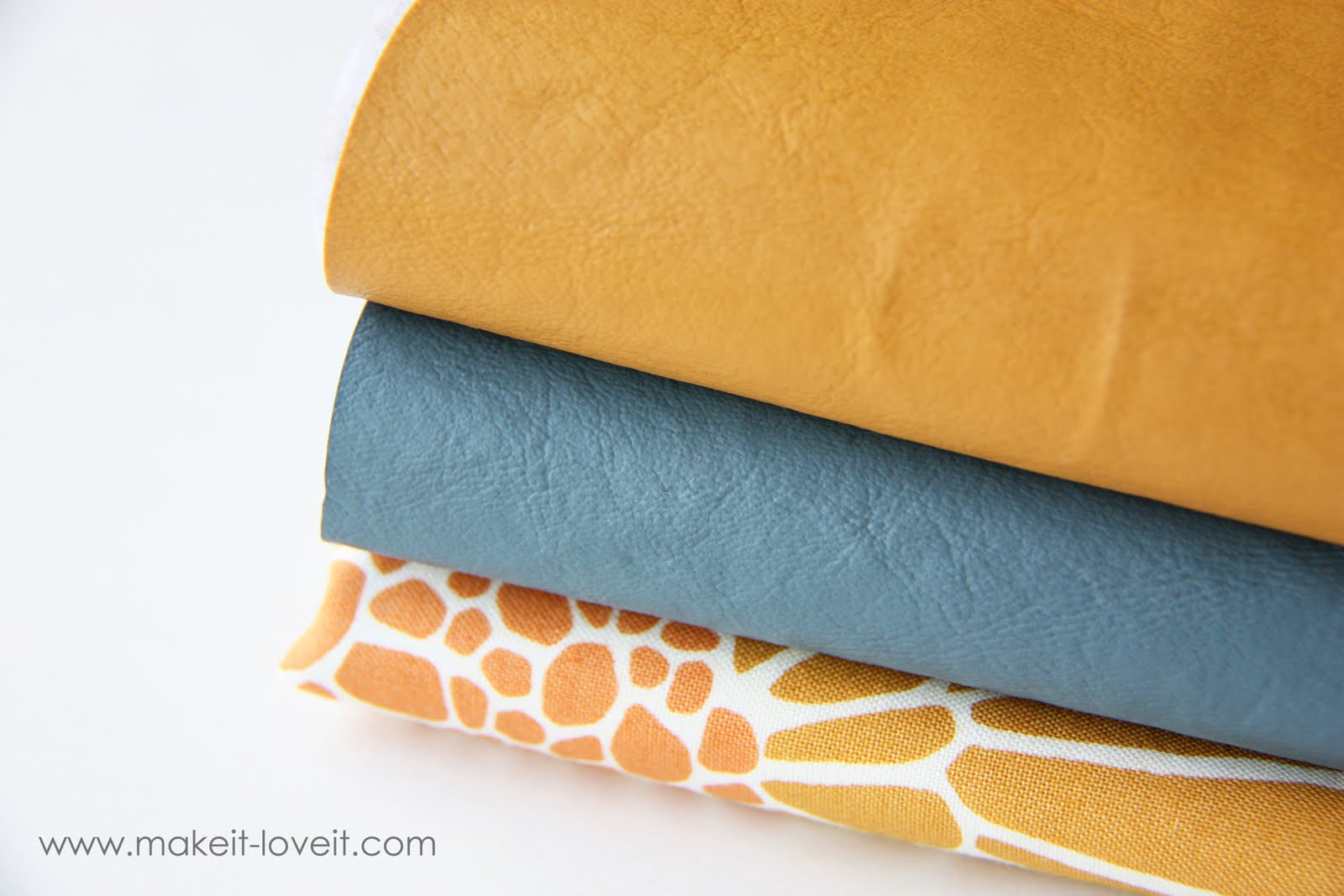 how to make a pouch out of fabric