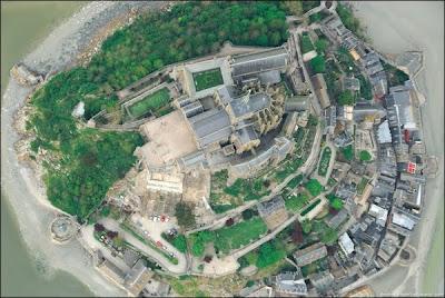 [Image: Mont-Saint-Michel-12.jpg]