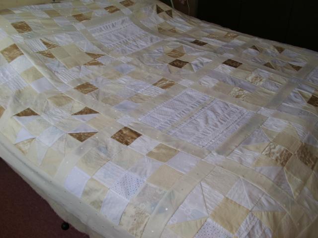 Sunshine and shadow de witte quilt van grietje for Quilt maken met naaimachine
