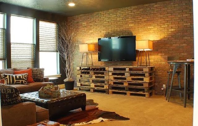 Mueble de televisi n sencillo hecho for Mueble hecho con palet