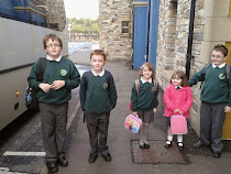 Kiddies at bus stop - September 2014