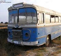 Largo viaje de Getafe a Madrid en un autobús destartalado y antiguo