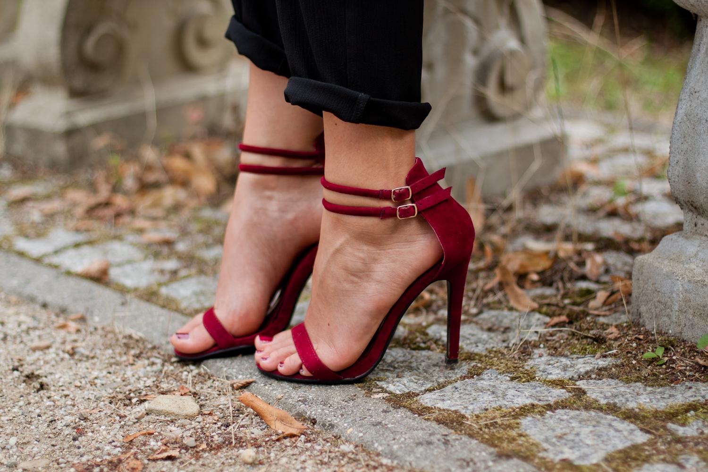 bordowe sandały na szpilce czasnabuty