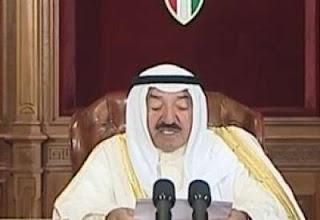 أمير الكويت يدعو للحفاظ على التجربة الدستورية