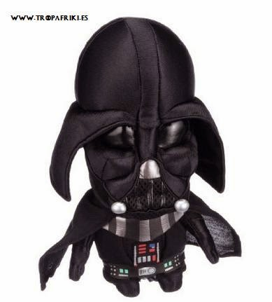 Peluche Darth Vader 23cm 25,28€