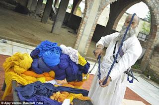 Avtar Singh wearing his world's longest turban