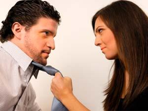 7 Common Things That Girlfriends Do When Angry - angry woman girl