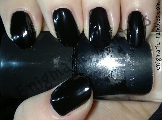 swatch-elf-eyes-lips-face-black-polish-varnish-enigmatic-rambles