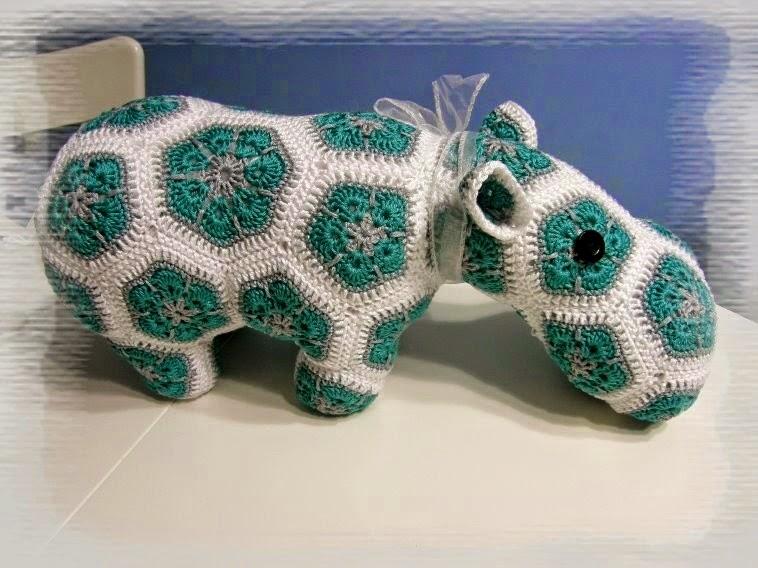 crochet hippo from african flowers