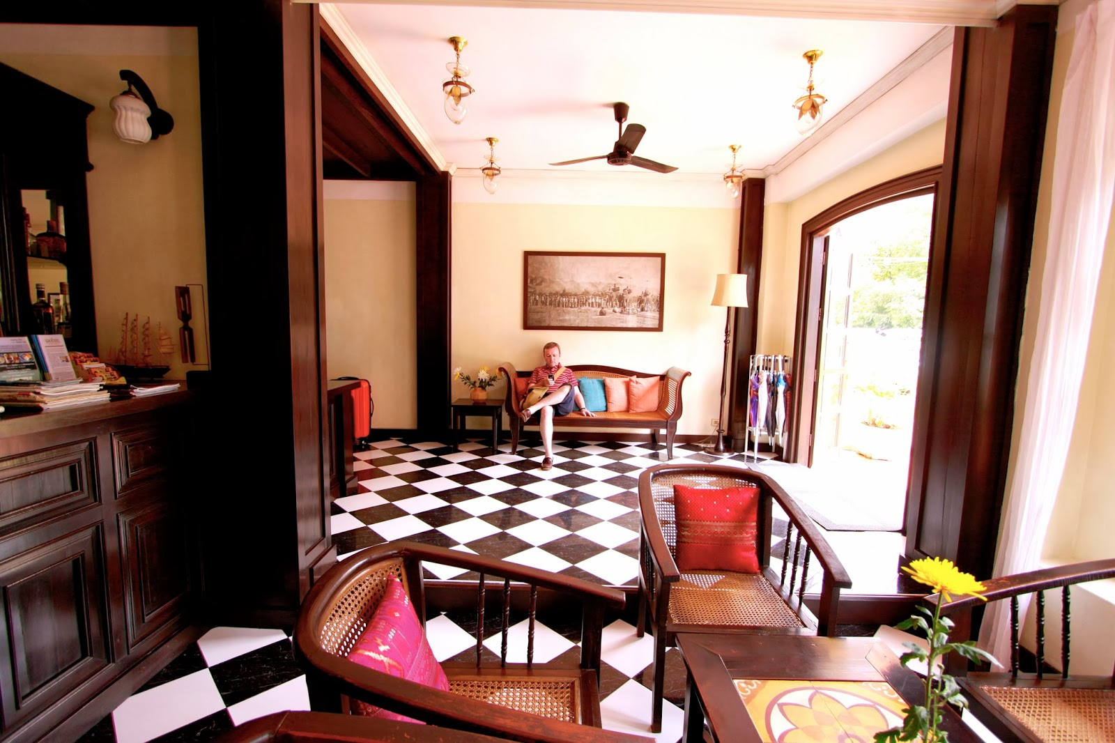 khamvongsa hotel The hotel is only 100 metres from the Mekong river, and a short walk from  the shops and restaurants of Rue Setthathilath, in a quiet location  opposite the ...