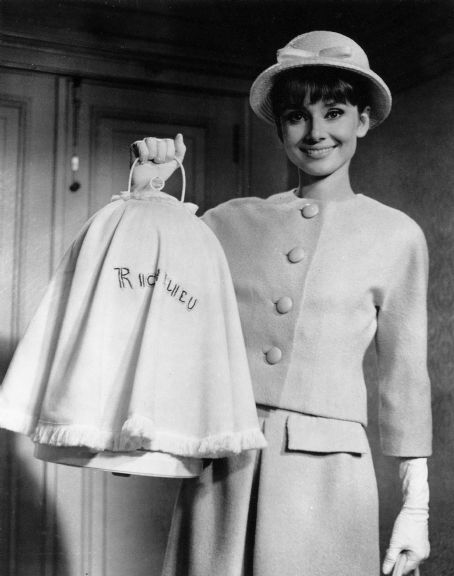 all good things some facts and trivia about audrey hepburn. Black Bedroom Furniture Sets. Home Design Ideas