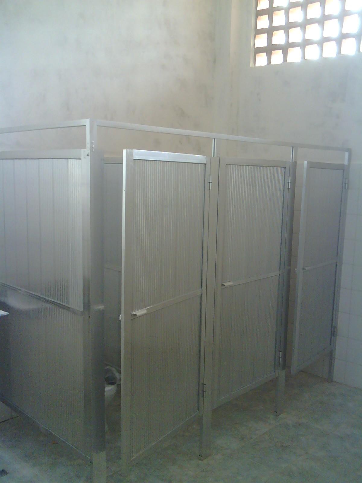 Puertas Para Baños Publicos De Monedas:DECORACIONES RR ALUMINIOS, ca: PUERTAS DE BAÑOS PUBLICO
