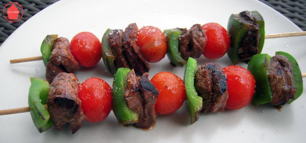 Q e zine brochettes de boeuf marin pour plancha barbecue for Quelle viande pour un barbecue