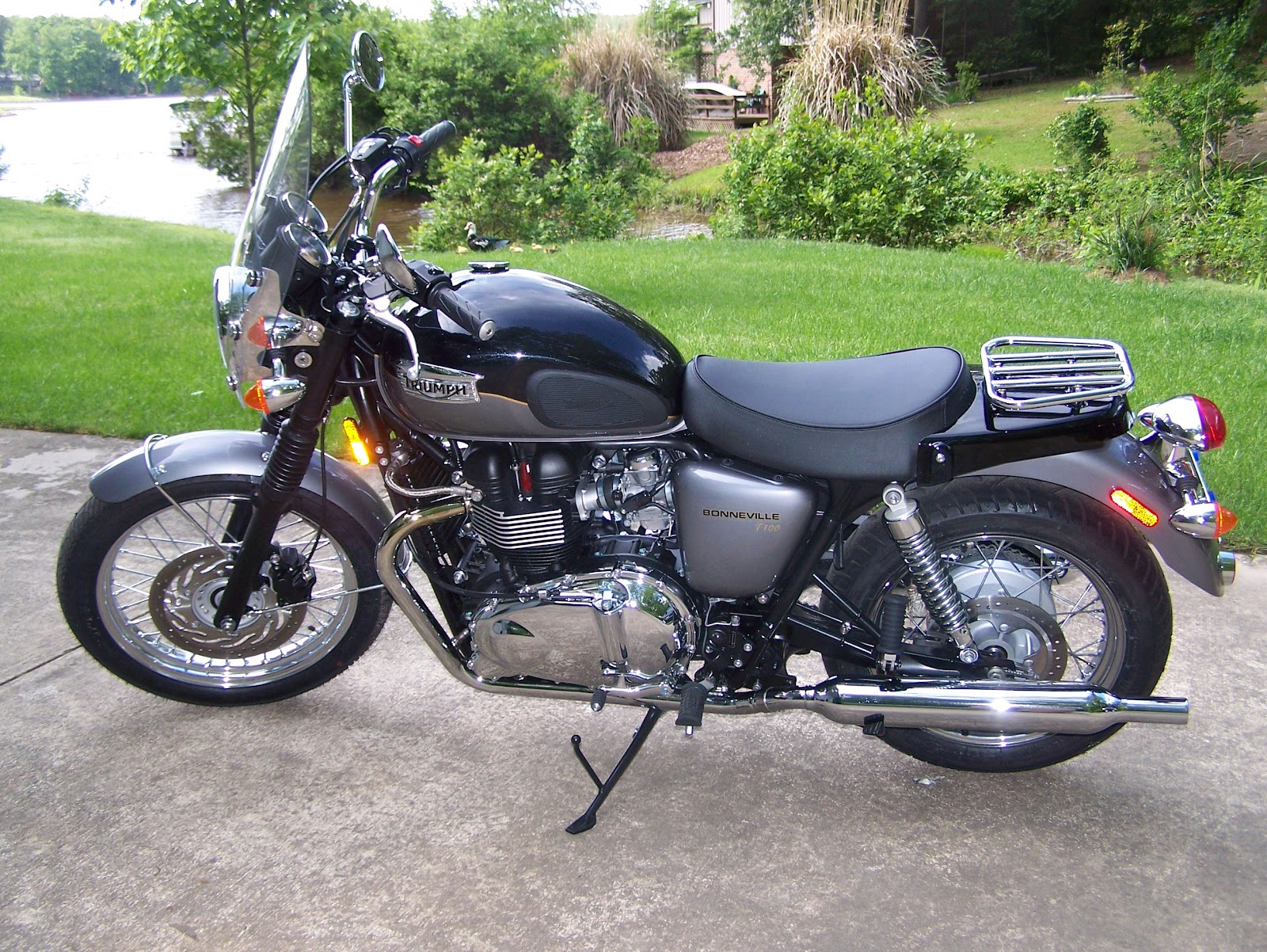 Triumph bonneville t100 single seat