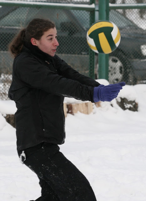 зимний пляжный волейбол