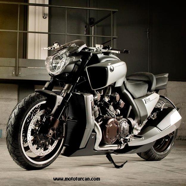 Bmw Zr1000: Moto World: Yamaha VMax Hyper Modified