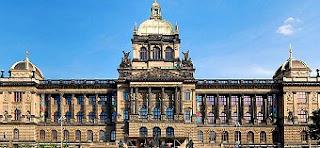 Fachada del Museo Nacional - Praga