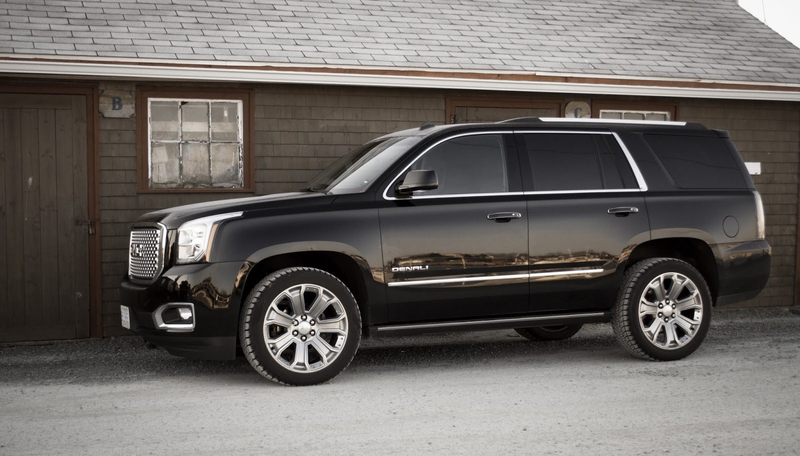 2015 gmc yukon denali review a fortress deep and mighty good car bad car. Black Bedroom Furniture Sets. Home Design Ideas