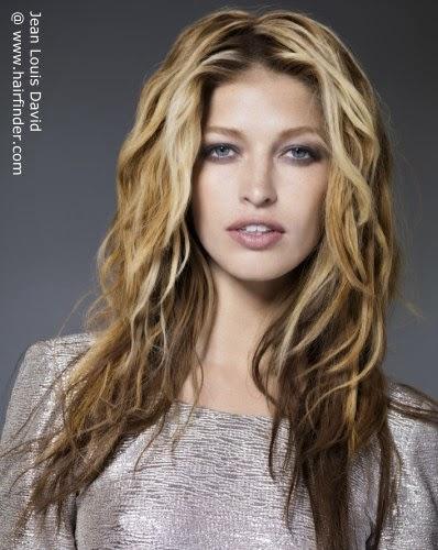 si deseas puedes llevarlo laciocon sea natural o con ayuda de la plancha de pelola raya en el pelo es decisin propia