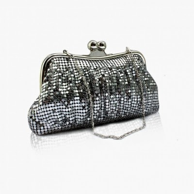 http://www.dressale.com/stunning-metallic-kiss-lock-closure-clutch-with-detachable-chain-p-59756.html