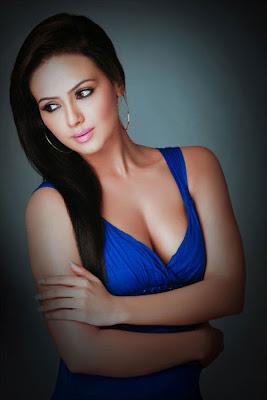 Sana Khan Sexy Photo Gallery