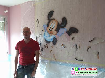 Comenzamos un mural infantil de Disney