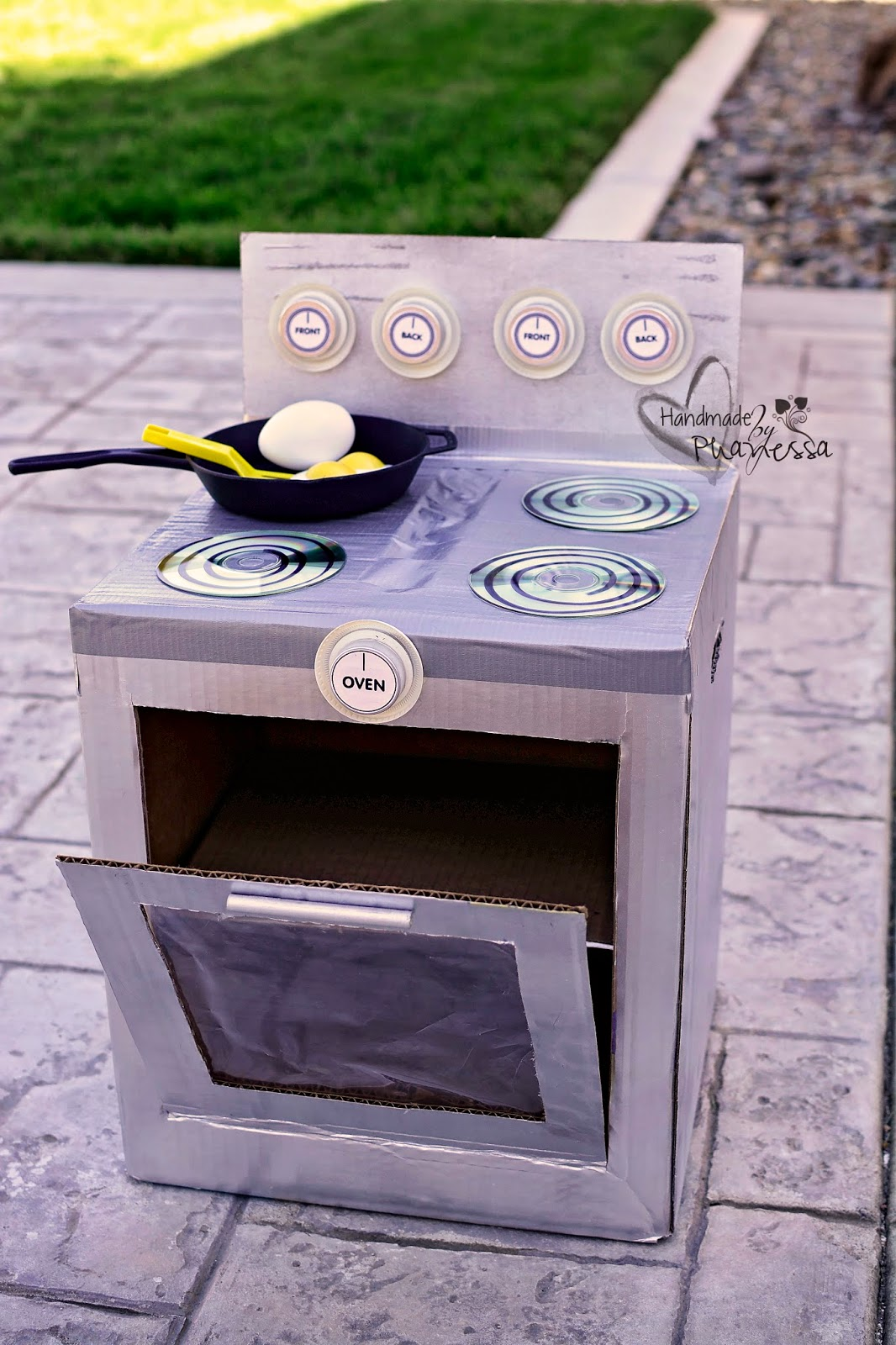 Phanessa 39 s crafts diy cardboard stove oven for How to make a stove