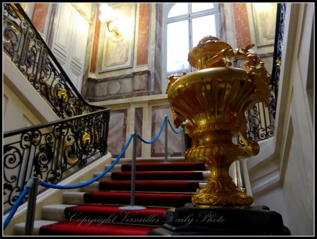 Escalier d'apparat préfecture des Yvelines Versailles