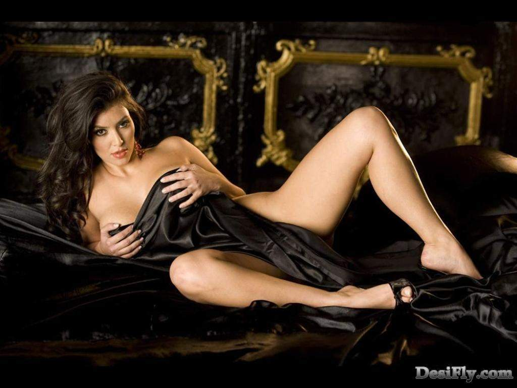 Kim Kardashian Wallpapers 2008