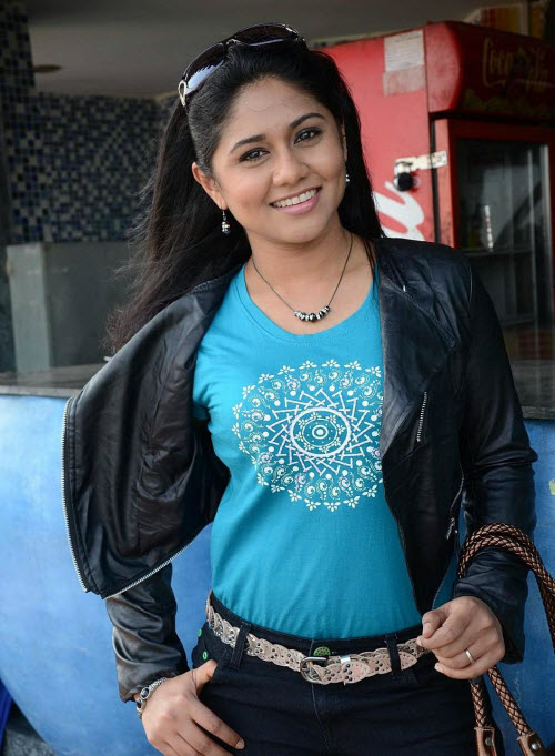 punnagai poo gheetha in jeans - first female producer of films, rj from malaysia latest photos