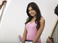 Samantha in Pick Dress Pics