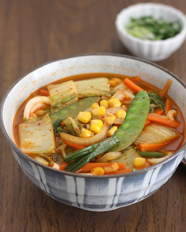 Korean-Chinese Spicy Veggie Noodle Soup (Vegetarian version of