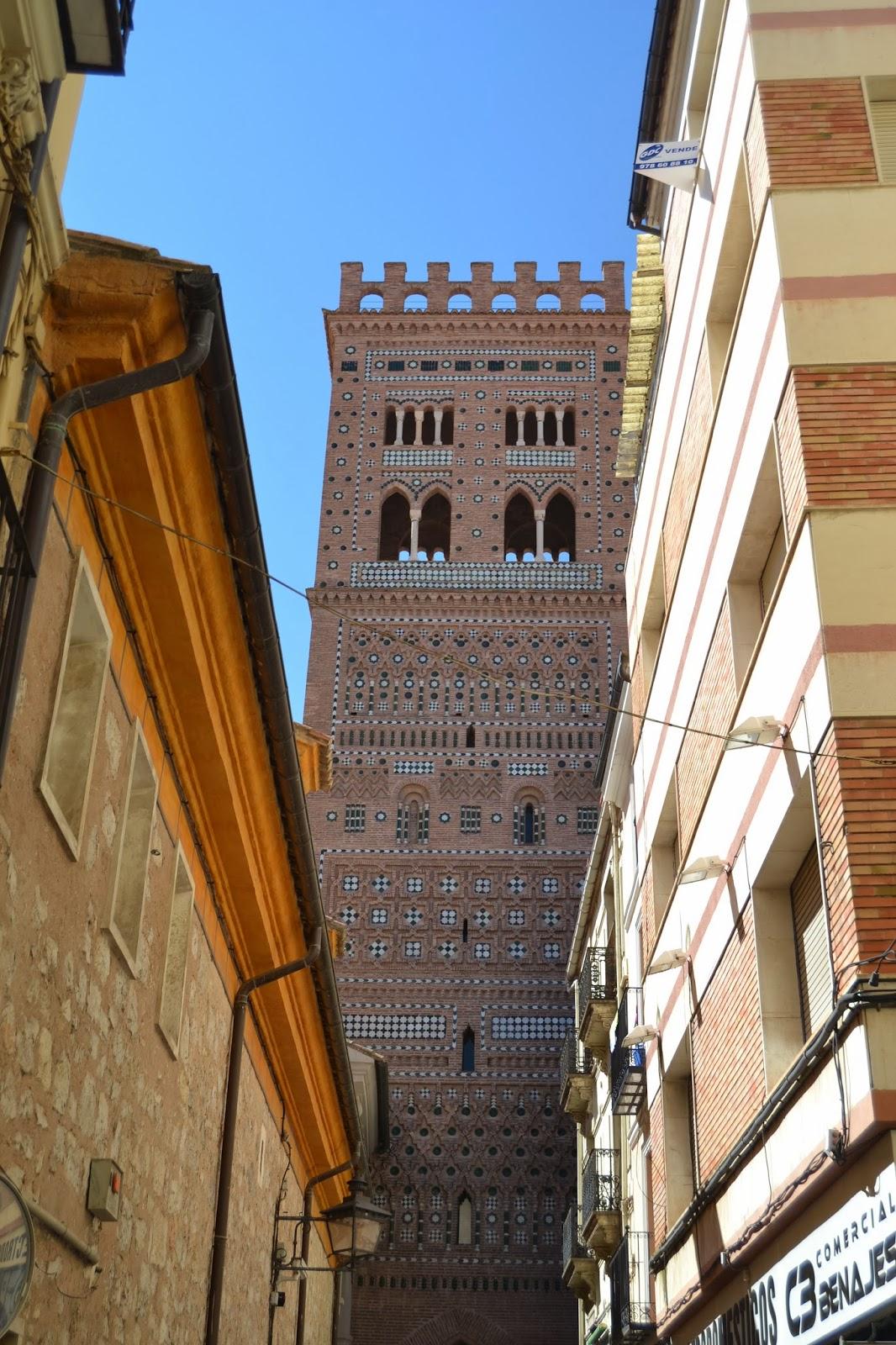 Torrre de la Iglesia del Salvador, Teruel. Guía de viaje de Teruel y Rubielos de Mora. Tu Maleta.