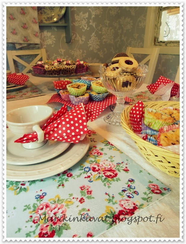 Makeita ja suolaisia muffinsseja