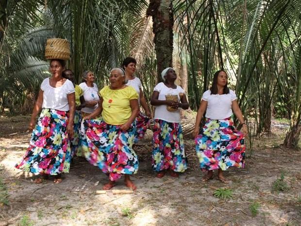 http://www.blogdofelipeandrade.com.br/2015/11/sonora-brasil-chega-em-goiana-nesta.html