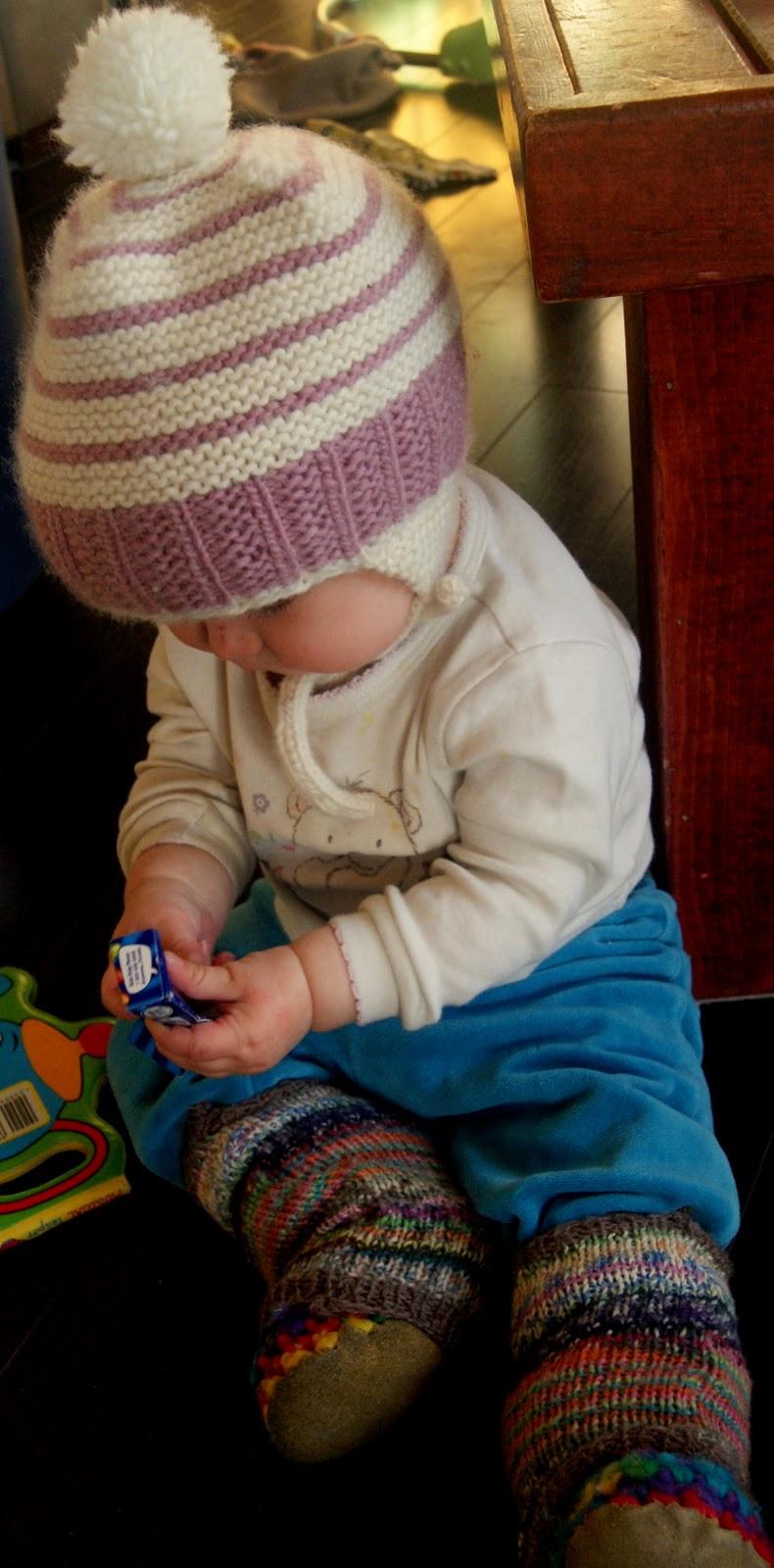northern purly girl: Garter Ribbing My Baby Hat!