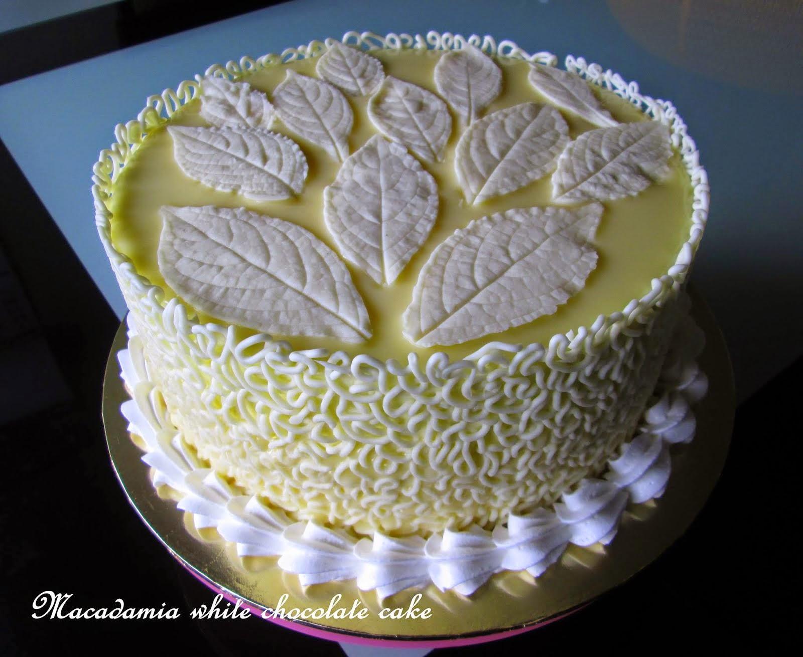 Macadamia White Chocolate Cake / 2.5kg
