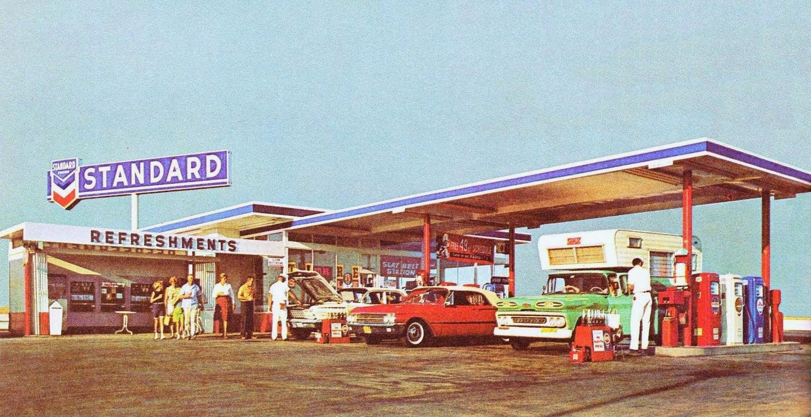 MOTORCYCLE 74: The Golden age of gas stations