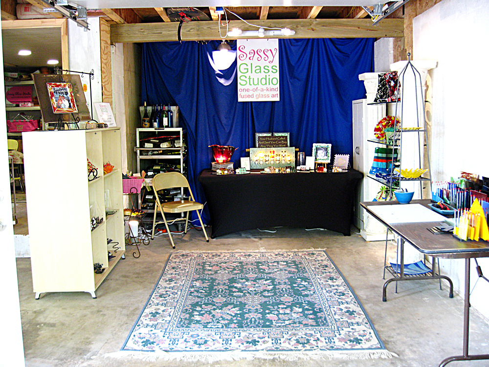 http://sassyglassstudio.blogspot.com/search/label/Dogwood%20Arts%20Festival%20Art%20DeTour